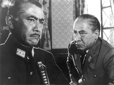 日本中が終戦の玉音を聞いた1945年8月15日正午。そこに至る24時間... KAWASAKI